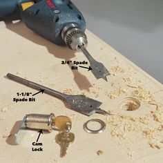 How to Build a Compact Folding Workbench with Storage Workbench With Storage, Workbench Stool, Workbench Plans Diy, Workbench Designs, Folding Workbench, Garage Workbench, Mobile Workbench, Garage Storage, Scroll Saw Patterns