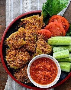 Ayam Goreng Serundeng - Assalamualaikum wr wb, selamat pagi penulis ucapkan kepada ibu-ibu dirumah serta kepada para pembaca setia blog...