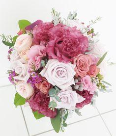 #vressetRose #Wedding #girlychic#smokypink #bouquet #clutcfbouquet #natural#Flower #Bridal #ブレスエットロゼ #ウエディング#ピンク #スモーキーピンク #ブーケ #カラーブーケ #バラ#ガーリー#ラウンドブーケ#トルコキキョウ#ナチュラル#花 #ブライダル#結婚準備#結婚式