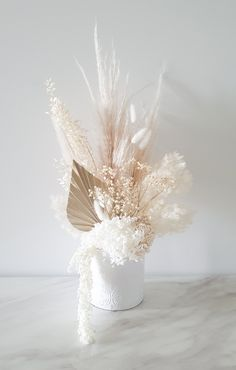Dried Flower Bouquet, Dried Flowers, Deco Floral, Floral Design, Flower Decorations, Wedding Decorations, Dried Flower Arrangements, Vase Arrangements, How To Preserve Flowers
