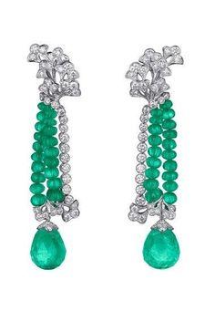 CARTIER. #Cartier #SortilègeDeCartier #2011 #HauteJoaillerie #HighJewellery #FineJewelry #Emerald #Diamond