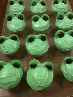 Frog cupcakes for spring
