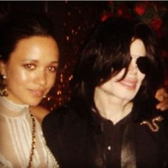 53 Xtra Host, Eku Edewor shared a pic of her and the Late music legend, Michael Jackson.