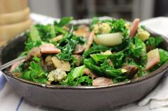 Kale and Bacon Salad Sherry Vinegar, Bacon Salad, Baby Potatoes, Kale Recipes, Peeling Potatoes, Smoked Bacon, Blue Cheese, Superfood, Cooking Time