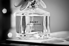 Daisy perfume. Floral classic. Very green with notes that shouldnt go together but somehow do like violet and strawberries.