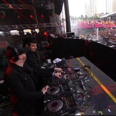 #KnifeParty in full #RageMode on the main stage @ultra #Music #Festival #Miami #BayFrontPark #WOW #EDM #Beastmode #Rave #Party #Madness #partyMusic #Bass #Dubstep #DeepHouse #Electro #Electronica #Dubtronica #AcidHouse #Remix #TurnUp #Spinning #Dj's #Techno #Dubstep #sickdrops #InternetFriends #Album