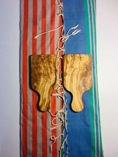 Christmas gift / Olive wood cutting board /Set of 2 wooden cheese chopping board / Wedding gift Olive Wood Cutting Board, Wood Chopping Board, Handmade Christmas, Christmas Gifts, Christmas Ideas, Handmade Wooden, Handmade Gifts, Wedding Hands, Custom Wood Signs