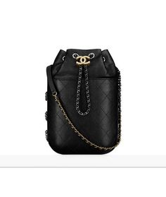 The latest Handbags collections on the CHANEL official website It Bag, Chanel Handbags, Fashion Handbags, Fashion Bags, Kristen Stewart, Coco Chanel, Karl Lagerfeld, Handbag Accessories, Fashion Accessories
