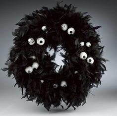 Eek! I spy a Raven Feathers & Wiggle Eye Wreath & Topiary | Crafts 'n Coffee