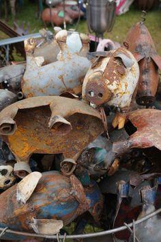 Metal barnyard piggies