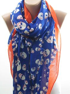 Day of the Dead Skull Scarf #cross_bones #skull