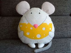 Mouse Crafts, Felt Crafts, Fabric Crafts, Fabric Animals, Felt Animals, Kids Pillows, Animal Pillows, Sewing Toys, Sewing Crafts