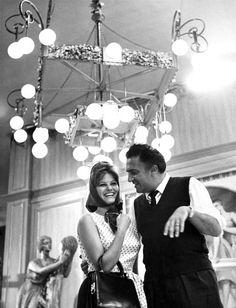 Claudia Cardinale and director Federico Fellini on the set of 8½ (1963). #FelliniOniricon @LibriamoTutti