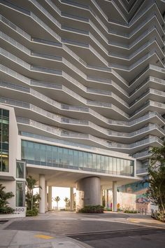 Arquitectonica's Miami waterfront tower has a crinkled facade