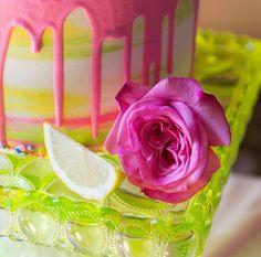 Cue the confetti! 💕 Photographer: @peterson.design.photo | Planner: @erineventdesign |  Venue: @howladventures | Cake Designer: @nicolebakescakes | Floral Designer: @herecometheblooms
