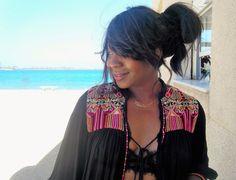 <p>Que+satisfacción+es+comerse+una+paellita+en+la+playa+,+en+primera+línea+,+contemplando+ese+azul+inmenso+que+de+tanto+mirar+se+confunde+el+cielo+con+el+mar+,+y+no+hacen+falta+dos+Martini+para+transportarme+al+Nirvana,+solo+con+uno+es+suficiente.+Mi+ciudad+tiene+playa+y+…</p>