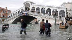 Veneza continua a afundar lentamente, mostram imagens de satélite