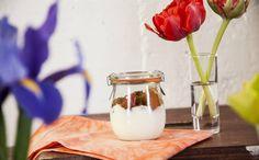 Cozinha Pratica com Rita Lobo. Maça, mel e canela. Cobre com filme plastico, faz um furinho e 5 min no micro em potência alta.