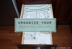 Organize Your Kitchen Towels {via Clean Mama} - Simple little tips to organize your stash of kitchen towels! Do this quick organizing project today! Kitchen Organization Pantry, Calendar Organization, Organization Ideas, Diy Cleaning Products, Cleaning Hacks, Washing Machine Smell, Clean Mama, Warm Kitchen, How To Fold Towels