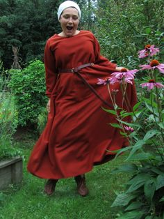 Norse costuming website that shows the inspiration for Gudrun Sjoden's beautiful clothes.