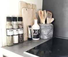54 Elegant Kitchen Desk Organizer Ideas to look great - Kitchen Decor Kitchen Desk Organization, Kitchen Desks, Apartment Kitchen, Home Decor Kitchen, Kitchen Utensils, Kitchen Interior, Interior Design Living Room, Home Kitchens, Organization Ideas