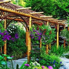 pretty arbor--add some wisteria and it would be perfection