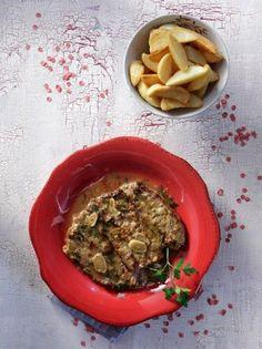 Μοσχαράκι σοφρίτο - www.olivemagazine.gr Greek Recipes, Palak Paneer, Risotto, Spicy, Easy Meals, Beef, Ethnic Recipes, Foodies, Happy