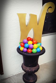 "Willy Wonka party decoration ""W"" Block letter"