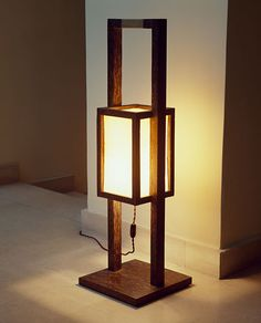 37 Cheerful Diy Wooden Lamp Designs To Spice Up Your Living Space - Lighting has become a more prominent feature in rooms for interior design these days, with many showing interest in lamps, classical and innovative. Wooden Lamp, Wooden Diy, Diy Furniture, Furniture Design, Japanese Lamps, Wood Floor Lamp, Handmade Lamps, Home Room Design, Light Decorations
