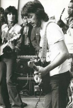"""Eric Clapton: When they still said """"Clapton is God"""" -- and he was still on heroin. Description from pinterest.com. I searched for this on bing.com/images"""