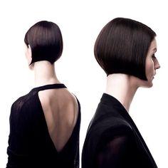 Credit to @jeremydaviesbarbala Precision haircut To have your hair featured please tag  @bobbedhaircuts _____________________________  #daviesbarbalaeducation #hairsalon #haireducation #notjustaprettyface #trondheim #bobbedhair #bob #btc_bobbedhair #stackedbob #asymetricbob #invertedbob #graduatedbob #shortbob #bobcut #undercutbob #ilovebobs #boblife  #bobsfordays  #bobbedhaircuts #sassoonbob