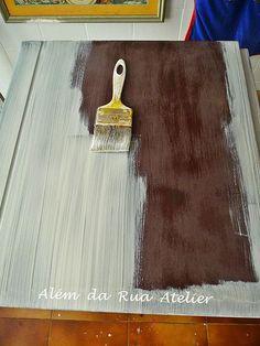 Como fazer pátina - Passo a passo Decoupage Furniture, Refurbished Furniture, Paint Furniture, Furniture Makeover, Pintura Patina, Hobbies And Crafts, Diy And Crafts, Decoupage Vintage, Painted Chairs