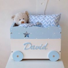 How You Can Find The Toys That Will Be Loved. Baby Room Diy, Baby Boy Rooms, Baby Room Decor, Nursery Decor, Personalised Wooden Toy Box, Wooden Toy Boxes, Wooden Diy, Baby Room Furniture, Kids Furniture