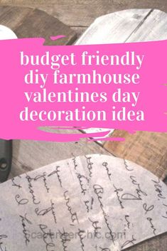 Decorate for valentines with this farmhouse style wood heart sign for your front door or living room mantle. Fun Valentines craft idea using wooden pallet.