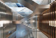 By Rem Koolhaas and his Studio OMA for Repossi boutique in Paris / Progettata da Rem Koolhaas e il suo Studio OMA per la gioielleria Repossi a Parigi