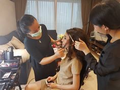 Lisa of www.GoGlamor.co apply makeup for Miss Indonesia 2015
