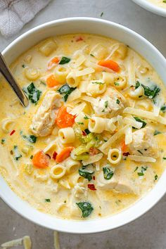 Creamy Chicken Soup with Pasta and Spinach Creamy Chicken Pasta Soup Recipe – – Nutritious, easy and big on flavor, this delicious chicken pasta soup tastes like you spent all day in the kitchen, but it's done in less than 30 minutes! Chicken Pasta Soup Recipe, Creamy Chicken Pasta, Chicken Recipes, Cheesy Chicken, Chicken And Veggie Soup, Soup With Rotisserie Chicken, Chicken Macaroni Soup, Creamy Spinach Soup, Fresh Spinach Recipes