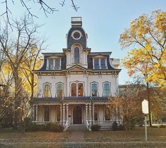 (69) Victorian House