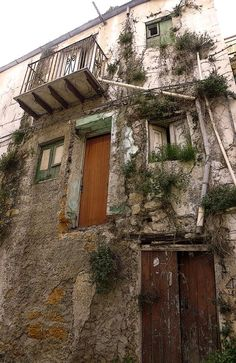 E-mail - marie louise steenhout - Outlook Sicilian, Balcony, Scenery, Sicily Italy, Bucket Lists, Street, House Styles, Places, Pride