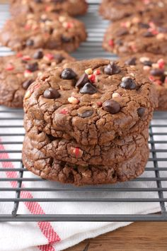 Giant Peppermint Chocolate Fudge Cookies - A Kitchen Addiction