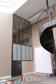 Fenêtres d'atelier acier brut.