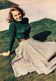 Janet Leigh Photoplay, February 1949 Janet Leigh Photoplay, February 1949 Source by outfits Mode Outfits, Fashion Outfits, Womens Fashion, 1940s Fashion Women, 1940s Fashion Dresses, 1950s Women, Fashion Clothes, 1940s Inspired Fashion, Fashion Skirts