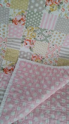 """""""Cheater"""" Baby Quilt Tutorial — Decor and the DogYou can find Baby quilts and more on our website.""""Cheater"""" Baby Quilt Tutorial — Decor and the Dog Baby Quilts Easy, Baby Patchwork Quilt, Baby Girl Quilts, Girls Quilts, Rag Quilt, Quilt Blocks, Owl Quilts, Quilts For Babies, Quilt Baby"""
