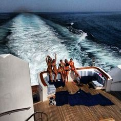 Luxury Living | Yacht | At Sea | Boat | Friends