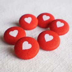 Fabric Buttons - Everybody Loves Somebody - 6 Small Fabric Covered Buttons