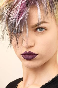 Daring beauty looks to try this spring.