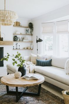 Boho Living Room, Cozy Living Rooms, Living Room Chairs, Living Room Decor, Coastal Living, Living Spaces, Living Room Modern, Home And Living, Living Room Designs
