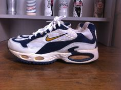 Le produit NIKE AIR MAX TRIAX 1998 est vendu par Sneakers BiiS dans notre boutique Tictail. Tictail vous permet de créer gratuitement en ligne un shop de toute beauté sur tictail.com