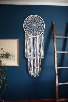 Large crochet dreamcatcher, giant dreamcatcher, white and beige dream catcher, bohemian bedroom wall hanging, boho bedroom decor