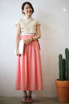 Modern casual hanbok dress: Mi-in-do one-piece [pink] - 리슬 Japanese Outfits, Korean Outfits, Korea Fashion, Asian Fashion, Korea Dress, Modern Hanbok, Look Retro, Ao Dai, Traditional Dresses
